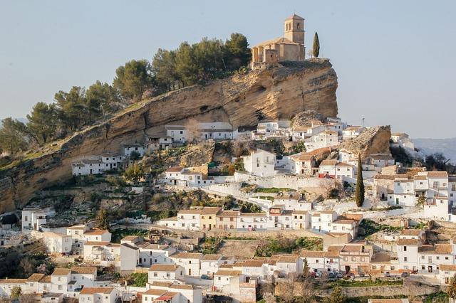 El tiempo en Andalucía: Este martes bajan algo las temperaturas máximas, pero seguirán siendo primaverales