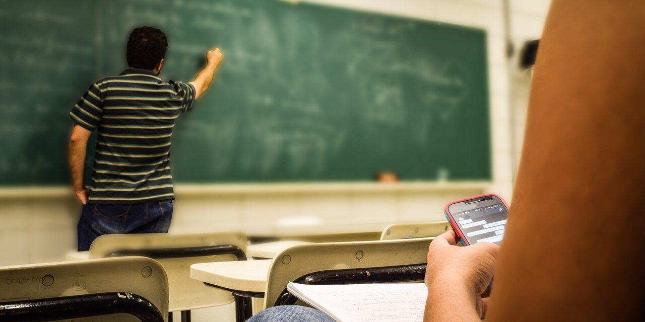 Te contamos cómo es la nueva versión de la aplicación iPASEN, que utilizan más de un millón de familias y alumnos en Andalucía