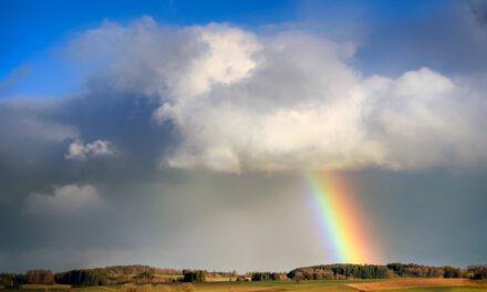 El tiempo en Andalucía: La semana comienza con vientos, cielos nubosos y lluvias ocasionales acompañadas de tormentas