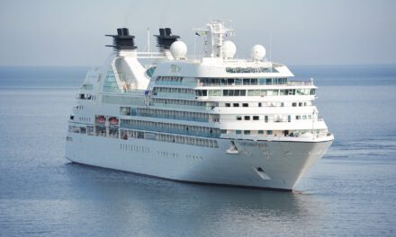 Andalucía creará uno de cada cinco empleos de la campaña turística de verano en España: llega el primer crucero a Málaga tras 15 meses
