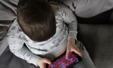 Salud da la voz de alarma: Aumenta la adicción al juego 'online' en menores de 25 años en Andalucía
