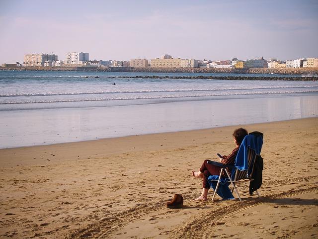 El tiempo en Andalucía hoy: Las temperaturas vuelven a subir en casi todas las provincias y el levante aumenta en el estrecho