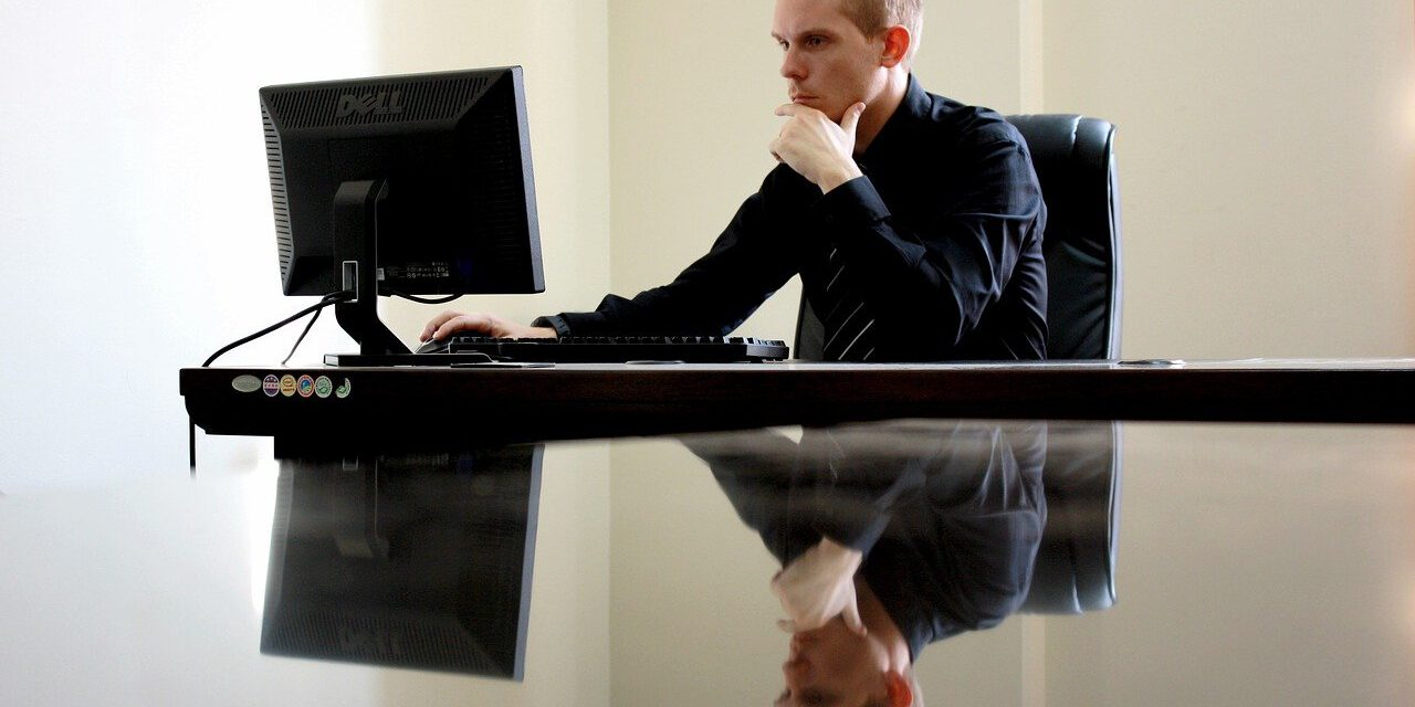 Maldito lunes… «mobbing, trato hostil o vejatorio en el ámbito laboral»: te contamos cómo detectarlo y qué hacer