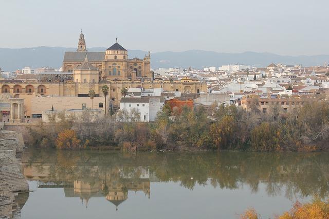 El tiempo en Andalucía hoy: Las temperaturas en ascenso, sobre todo en el valle del Guadalquivir y el Genil