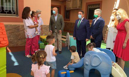"""La Junta se compromete """"a que la Educación Infantil de 0 a 3 años sea completamente gratuita en Andalucía"""""""