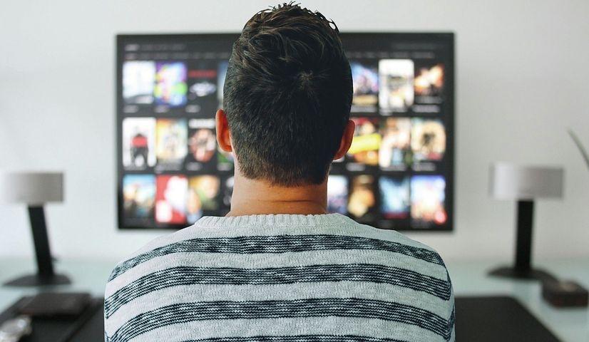 ¿Por qué los jóvenes tienen miedo a perderse la serie que están viendo sus amigos?
