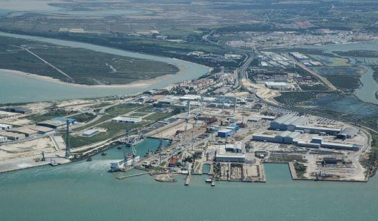 """Fernández subraya el """"empuje"""" del Gobierno central a los astilleros de Puerto Real con el nuevo buque que construirá Navantia"""