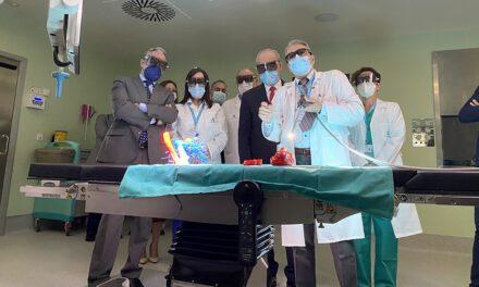 El Hospital Regional de Málaga incorpora un quirófano para intervenciones de precisión complejas