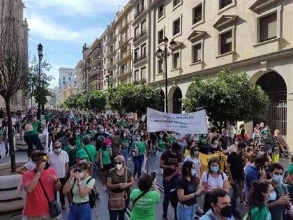La comunidad educativa sale a la calle en defensa de la educación pública en Andalucía y contra las políticas de la Junta